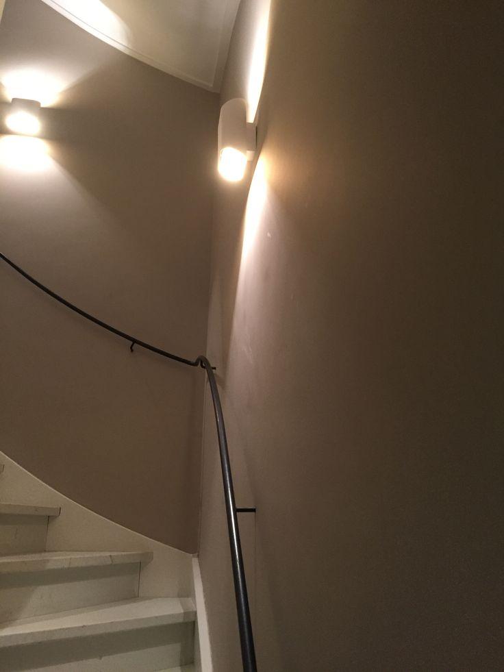 17 best images about hal beneden en overloop boven on pinterest brown met and charcoal - Beneden trap ...