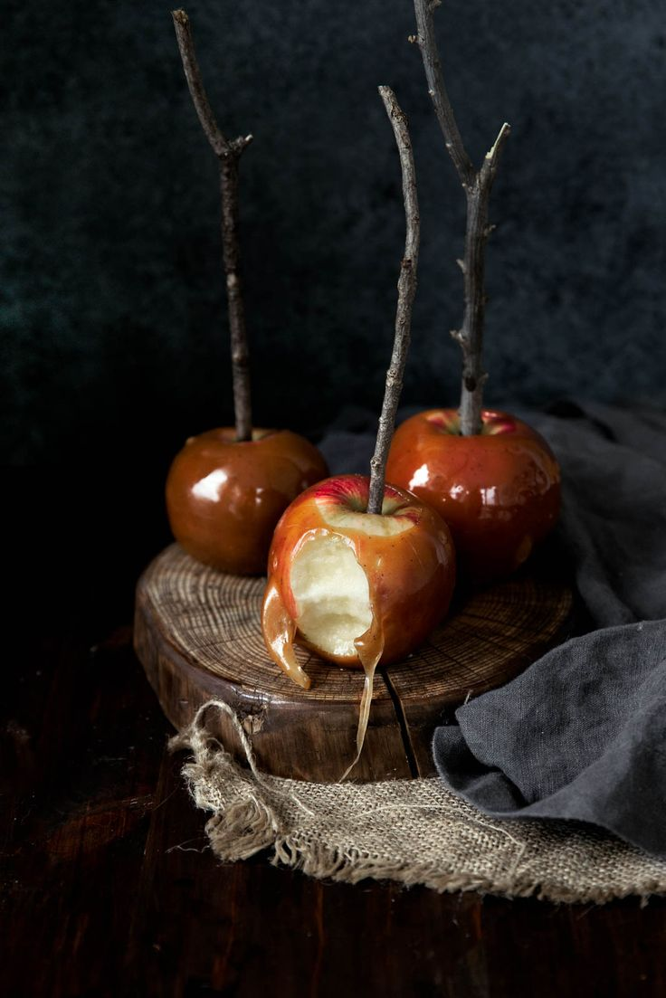 Homemade caramel apples spiked with bourbon and flavored with brown butter... uhm, YES PLEASE?!