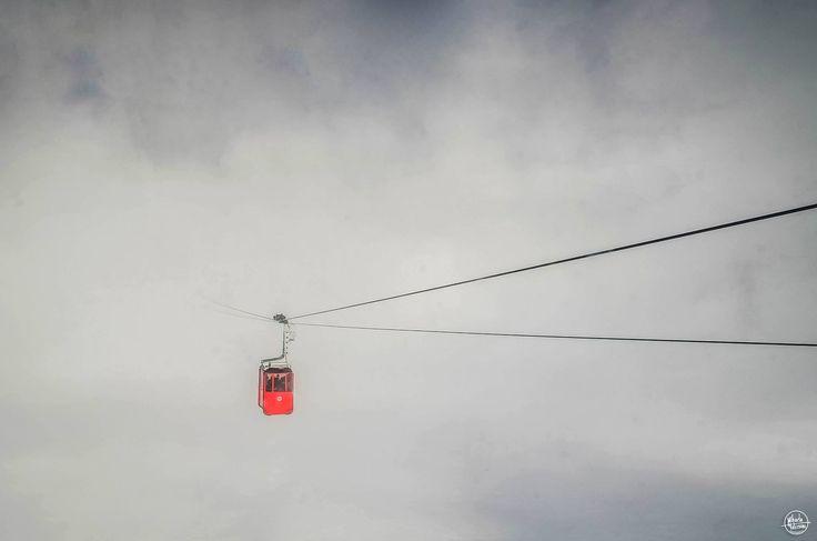 Teleferic între nori Foto: Mihaela Vâlceanu #21milioane #romania #teleferic #iarna #telecabina #extrem