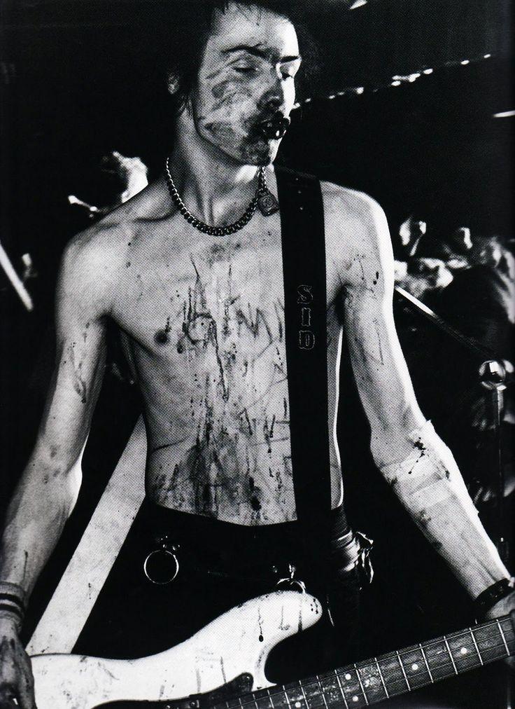 Sid Vicious | Sex Pistols uma das bandas que marcou a cultura punk, tanto a…