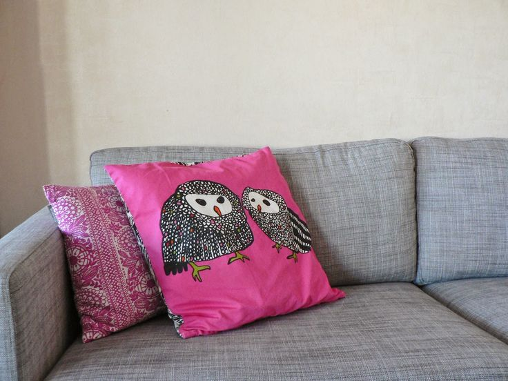 Ikea sofa and pink pillows :)  http://omankatonalla.blogspot.fi/