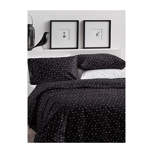 Citta Design Mini chevron duvet cover set (50 CAD) ❤ liked on Polyvore featuring home, bed & bath, bedding, duvet covers, king size duvet sets, queen pillow shams, king duvet cover sets, queen duvet cover sets and black pillow shams