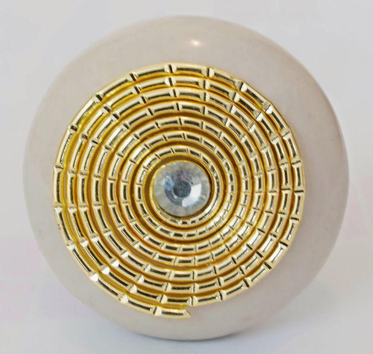 AmigoCrafts: Beautiful handcrafted White Wheel Golden Wire Rou...
