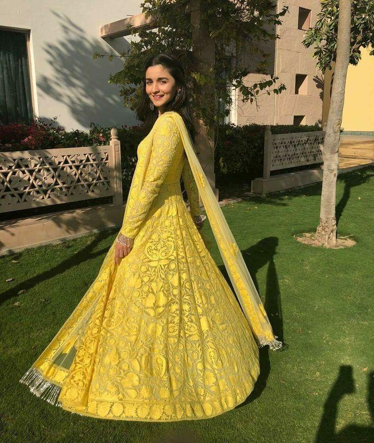 Alia bhatt in yellow