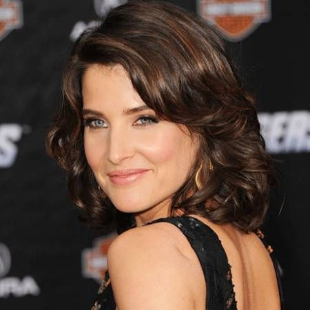 Cobie Smulders wiki, affair, married, Lesbian with age, height