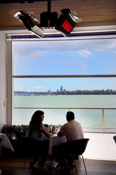 Chauffage Platinum Gas   Hilton Hotel, Auckland, New Zealand. Bromic  Outdoor Heater /