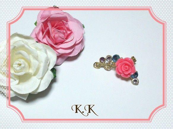 シンプルな薔薇のイヤーカフです。左耳用になります。シンプルなので洋服に合わせやすいと思います(*^^*)・板バネ式(ゴムカバー付き、金メッキ)のイヤーカフ使用...|ハンドメイド、手作り、手仕事品の通販・販売・購入ならCreema。