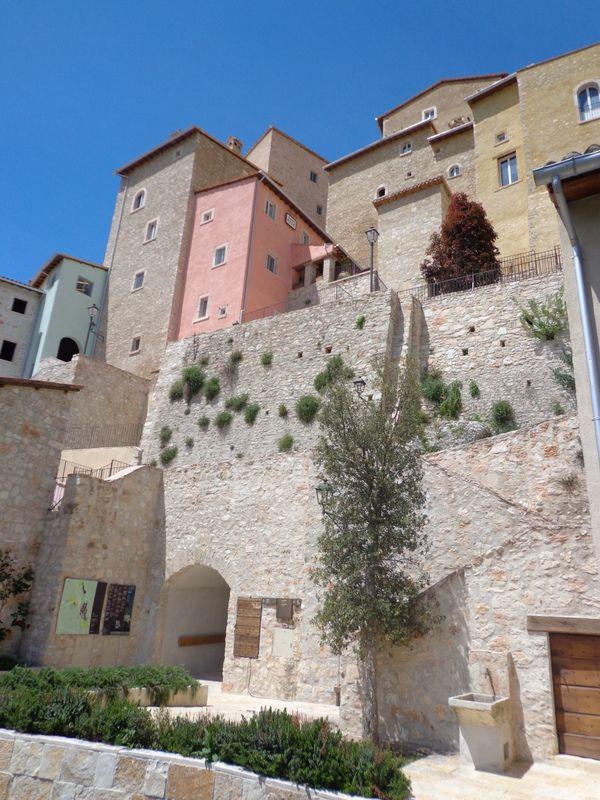 Borgo Castello di Postignano