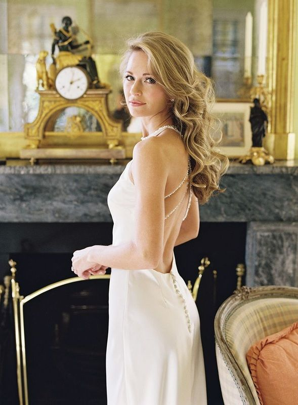 Cameran Eubanks in low back wedding dress http://www.itgirlweddings.com/blog/cameron-eubanks-southern-wedding