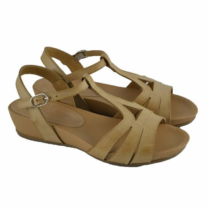 #Sandalias de tiras en piel suave sand cuero con cuña forrada de 4cm. de altura y suelas de goma de la marca española WONDERS.