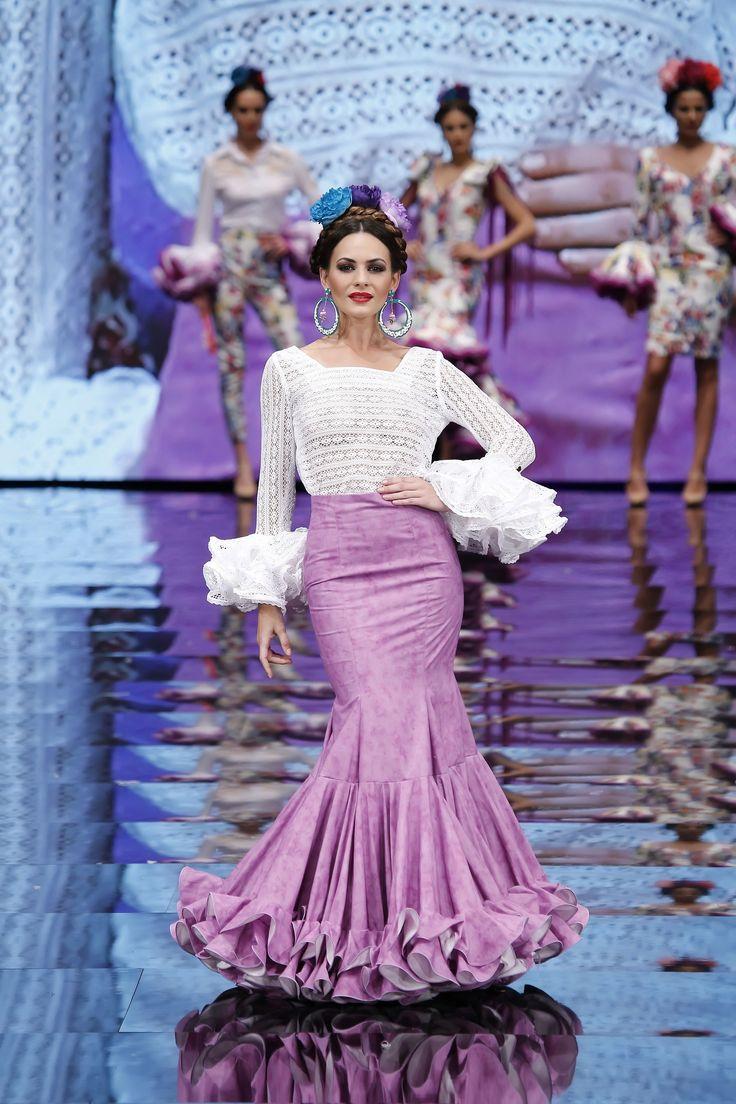 falda-flamenca-mármol-y-camisa-encaje-blanca.jpg (1824×2736)