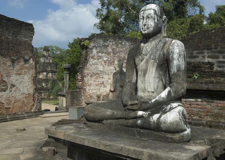 Polonnaruwa statues