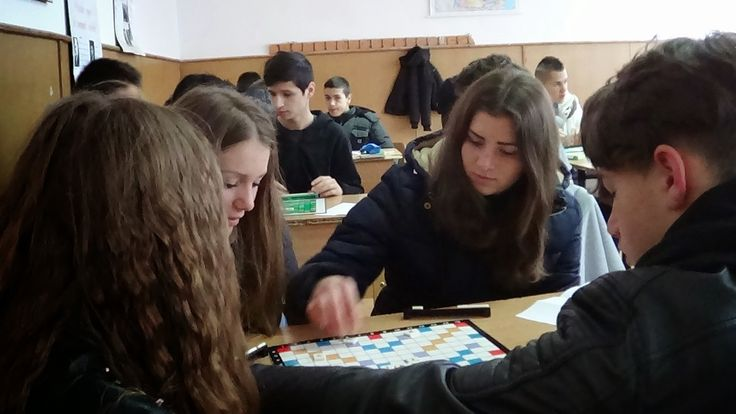 Profu`economist: Scoala... altfel - Scrabble - etapa 1