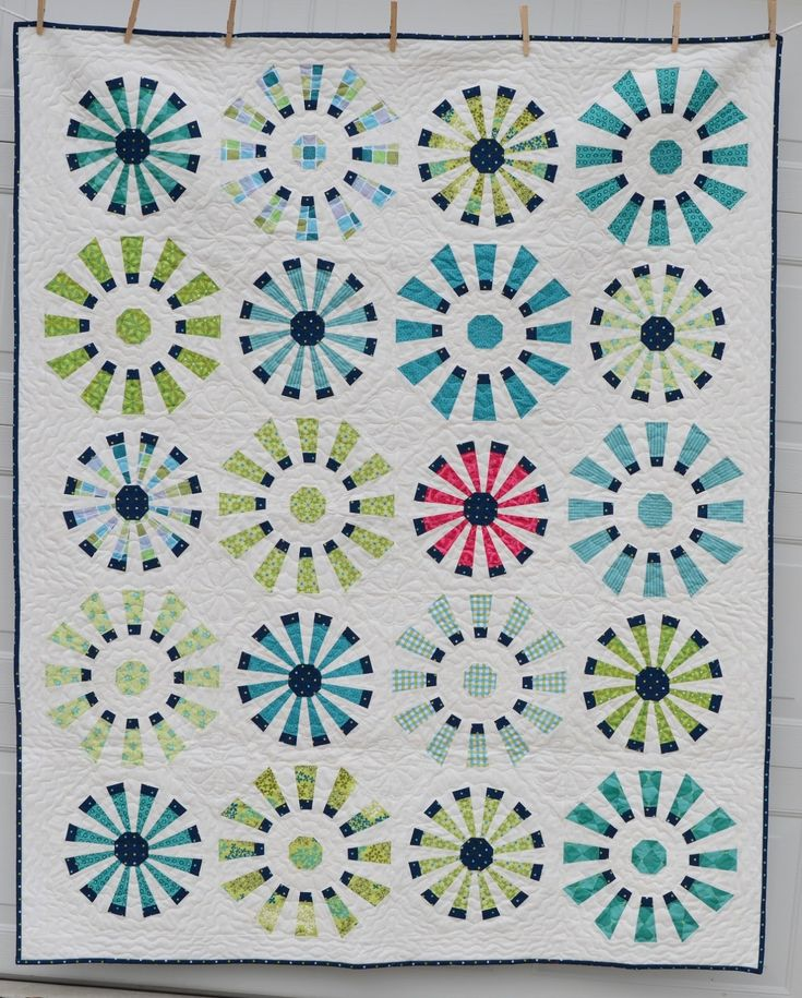 Dresden Fans - Hyacinth Quilt Designs - with link to tutorial.