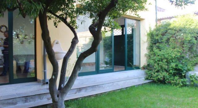 B&B Villa Hortensia - #BedandBreakfasts - $50 - #Hotels #Italy #SanGiovannilaPunta http://www.justigo.eu/hotels/italy/san-giovanni-la-punta/b-amp-b-villa-hortensia_152436.html