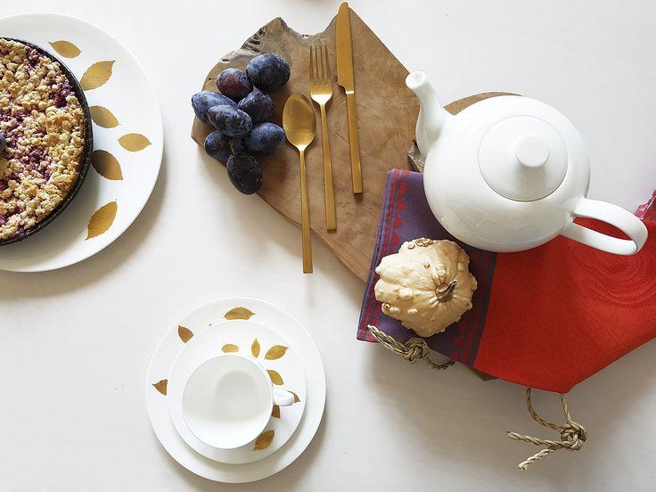 Dibbern Gold Leaf Porzellan, Bitz Besteck gold und Le Jacquard Francais Textilien.