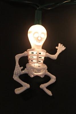 DIY skeleton lights from novelty straws