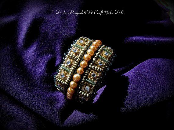 Beaded bracelet Dada by CraftNicheDili on Etsy