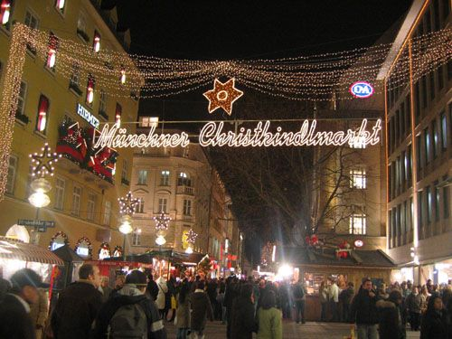 Google Image Result for http://pure-adventures.com/blog/wp-content/uploads/2011/12/munich_christmas_market.jpg