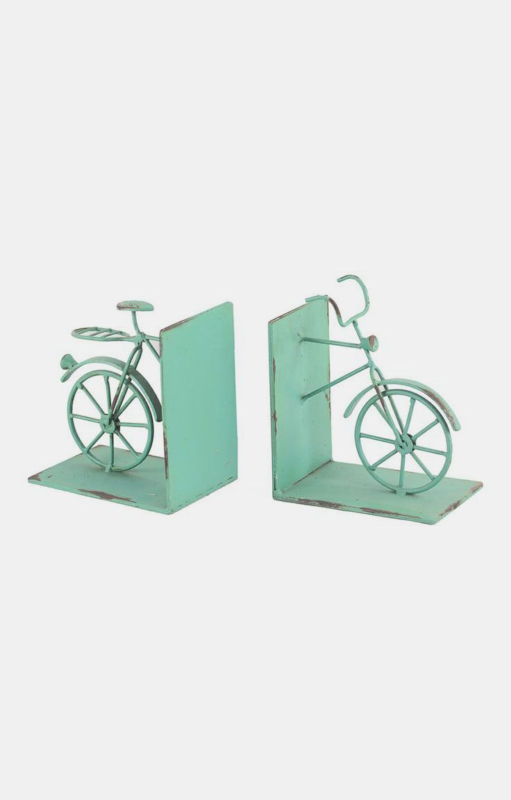 I love these bookends! I look and look for bookends but can never find any I like, but here they are!