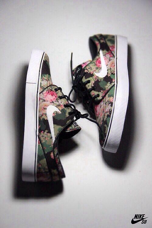 #floral nike