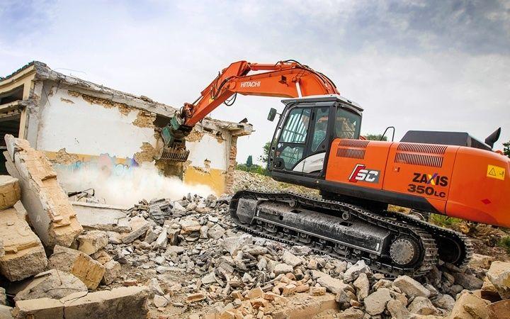 Quando vogliamo costruire in una zona in cui sono già presenti degli edifici, è indispensabile procedere con lavori di demolizione edifici. http://blog.csa-srl.it/demolizione-edifici/ #demolizioneedifici #demolizione #demolizioniedifici