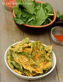 Crispy Palak Bhajiya recipe   Indian Chaat Recipes   by Tarla Dalal   Tarladalal.com   #2822