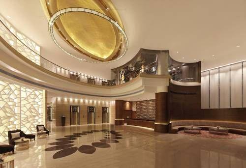 Hilton Jaipur - Situé à seulement 3 km de la gare de Jaipur, l'Hilton Jaipur possède une réception ouverte 24h/24 pour vous aider à tout moment. Adresse Hilton Jaipur: Plot No. 42, Geejgarh House, Hawa Sadak 302006 Jaipur