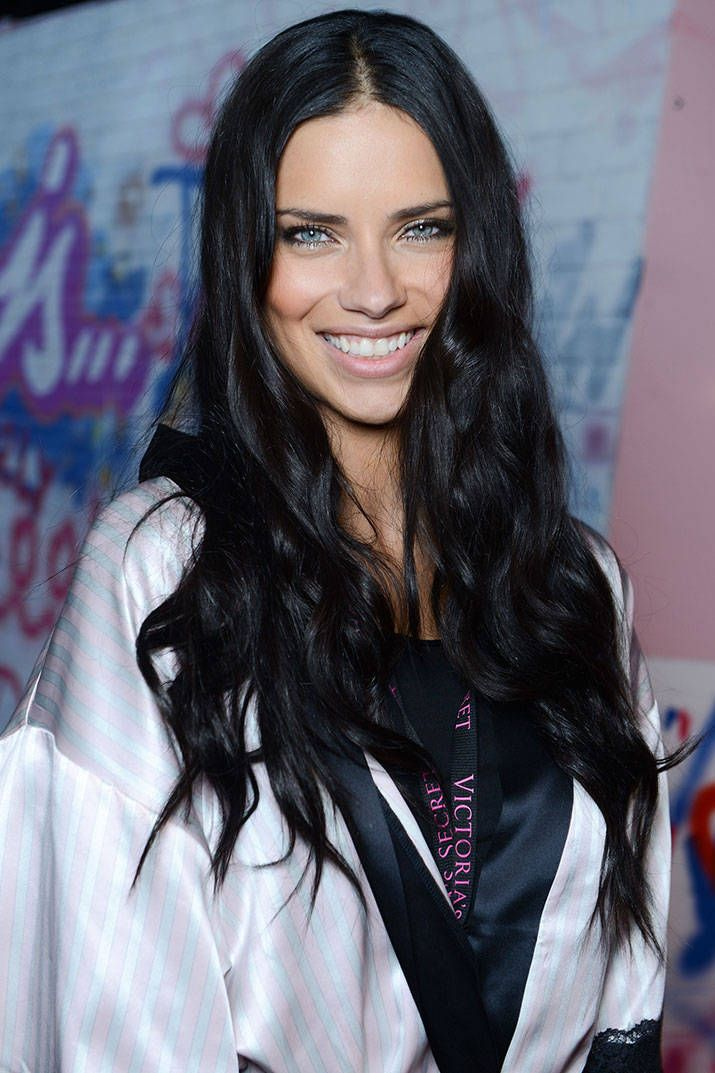All The Details on the Hair & Makeup at the VS Fashion Show