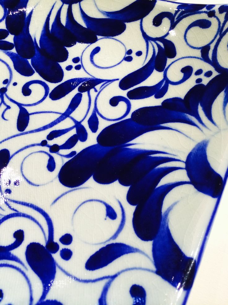Blue and white on ceramic. Beutiful..,