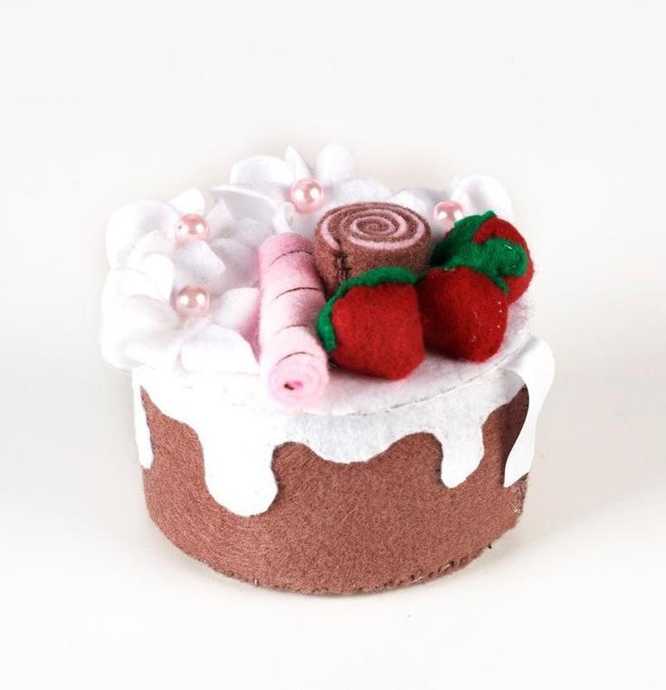 Felt sweet cake