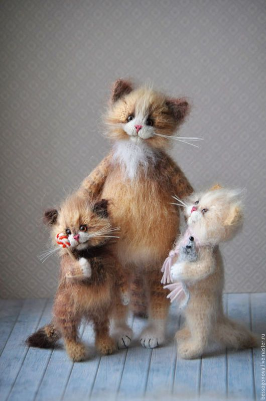 Author's toy Mamin mother HAPPINESS Height 22-23 cm and crochet Submitted natural mohair and wool inside a durable wire frame (all legs, neck and tail are bent) standing self parking