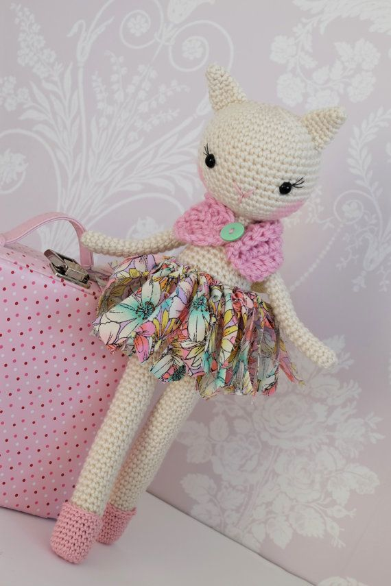 **PLEASE NOTE THIS LISTING IS FOR CROCHET PATTERN NOT ACTUAL TOY**    Amigurumi crochet pattern Bella the unicorn/cat 2 in 1 This great value 2 in
