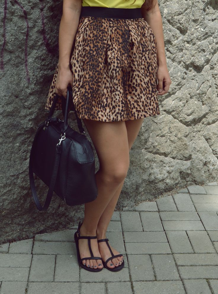 outfit, ootd, fashion, leopard print, yellow top, black, casual, animal print, http://blogalinapop.wordpress.com/
