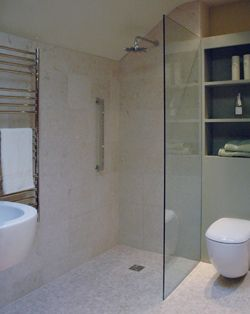 curbless shower and glass partitionThe Sail Straight Shower Screen in Low Iron 10mm Glass (528A)