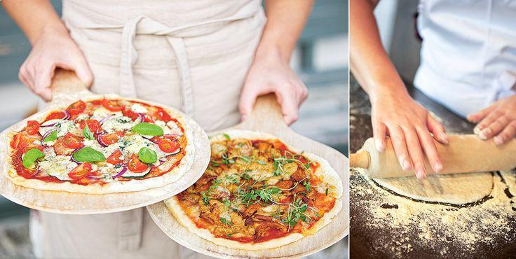 Den perfekta glutenfria fredagspizzan, bakad på bovete- och majsmjöl. Degen ger riktigt tunna pizzabottnar med krispiga, goda kanter.