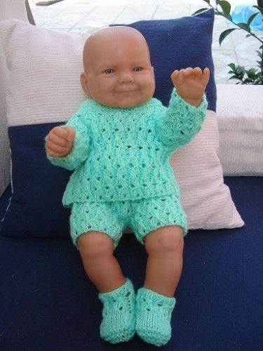 Fiche gratuite vêtements de poupée N°94: brassière verte, culotte et chaussons