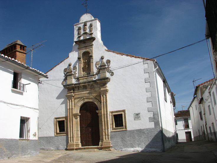 Ermita del Cristo del Humilladero, en Cañaveral, un rincón precioso. Data del siglo XVII