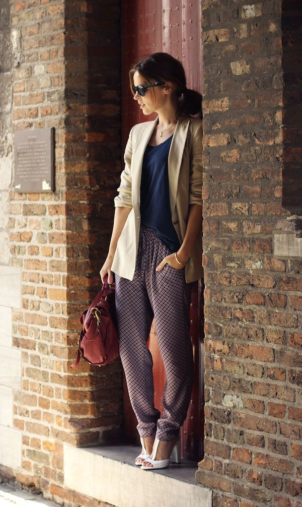 Casual yet polished. The taper on these pants is perfect!