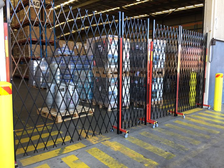 BONDED WAREHOUSING DEMANDS EXPANDABLE FENCING  The Australian Trellis Door Company (ATDC)  has seen a sharp rise in demand for its cutting edge expandable fencing to secure bonded warehouse facilities in Australia.   A bonded warehouse (also known as a customs warehouse) is typically a secured warehouse facility that is closely supervised by Australian customs authorities,where dutiable imported goods are stored pending their re-export,release or assessment and