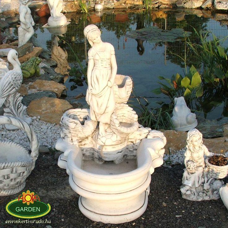 Kert egy kis csobogó lánnyal a fotó a telephelyünkön készült ahol több ezer ilyen kertbe való szépséget találhatok :-) http://www.kerti-aruda.hu/