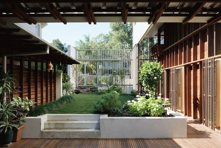 Courtyard - Donovan Hill