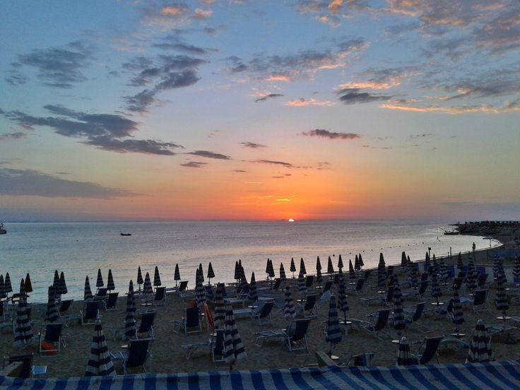 """Soverato Web on Twitter: """"#Soverato #Calabria @Soverato #sea #beach #sunrise https://t.co/oKBtmzfMAw"""""""