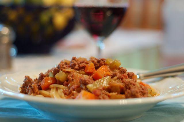 lbs good spoon: {Classic Ragu Bolognese}   Food & Wine   Pinterest