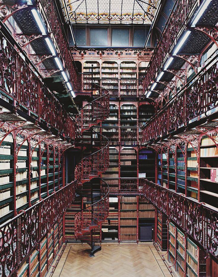 Handelingenkamer Tweede Kamer Der Staten-generaal Den Haag Iii, Netherlands // gallery http://www.boredpanda.com/extraordinary-libraries/