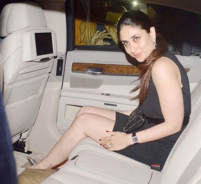Kareena Kapoor Khan waits for Saif to enter the car at Randhir Kapoor's birthday bash. #Bollywood #Fashion #Style #Beauty