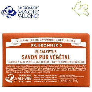 Dr. Bronner's Magic Soaps - Pain de Savon Pur Végétal Eucalyptus Disponible dans l'e-shop www.officina-paris.fr #officina #paris #eshopping #beaute #pain #barsoap #vegetal #solide #cosmetiques #savon #douche #gel #liquide #bio #naturel #fairtrade #drbronner #drbronners #magicsoap #soap #organic #vegan #equitable #argrumes #orange #citrus #fresh #rose #peppermint #menthepoivree #amande #arbreathe #teatree #eucalyptus #lavande