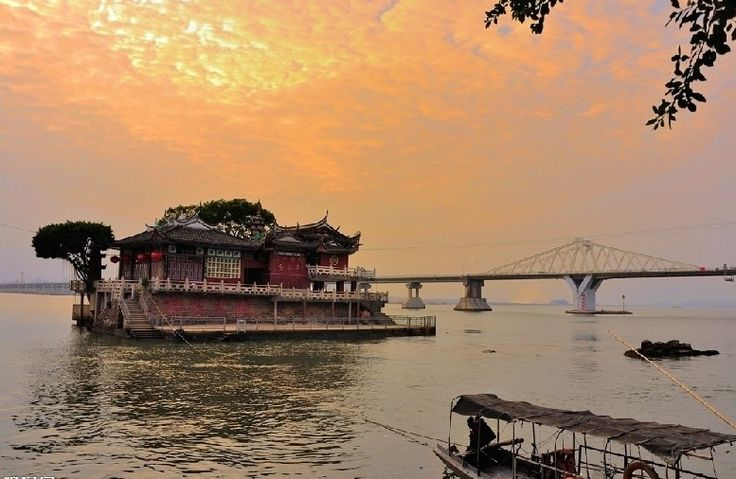 Jinshan Temple, a holy land on the Min River in Fuzhou
