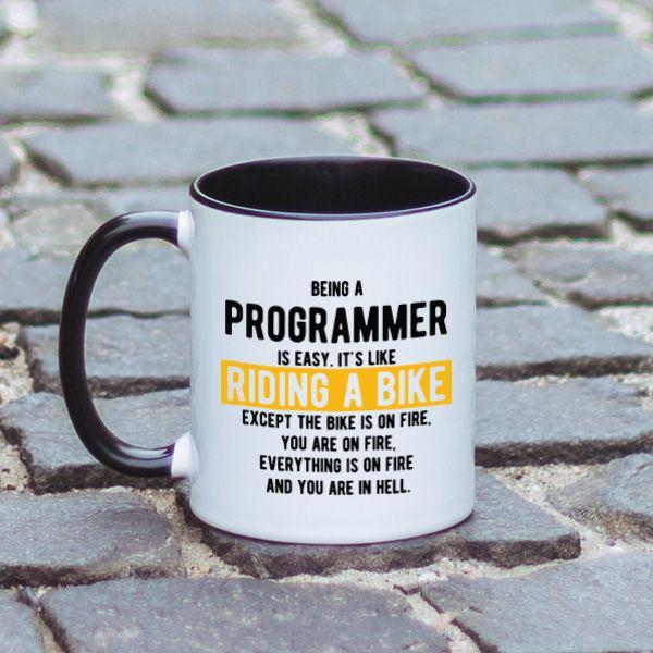 Avand in vedere ca in ultimul timp sunt multe persoane care isi doresc sa devina programatori, aceasta cana cu mesaj haios este perfecta pentru prietenul tau programator. Arata-i ca ii apreciezi munca si stii exact cat de dificil este sa inveti programare.