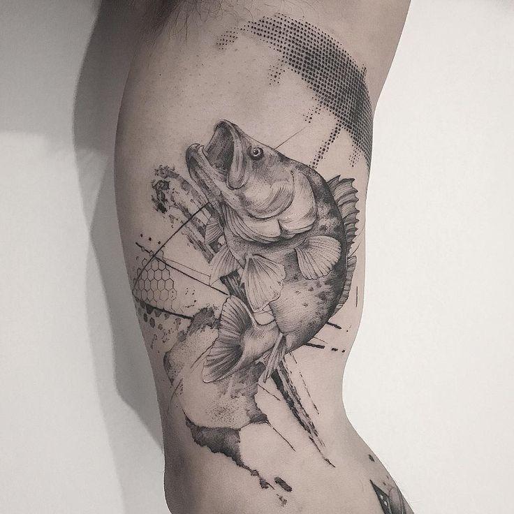 Tatuagem feita por Farfalla de São Paulo.  O peixe fora dagua usando guarda-chuva. Paradoxo.  #tattoo #tatuagem #arte #art #design #tattoo2me #delicada #fineline
